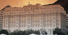 Situé sur la fameuse Plage Copacabana de Rio, le Copacabana Palace est l'hôtel le plus renommé de Rio de Janeiro, accueillant les figures les plus riches et les plus célèbres depuis 1923.