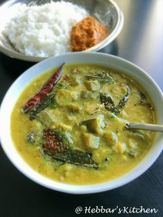 bende koddel / okra curry / bende bol koddel is close to every udupians heart. it is also well liked dish in south canara and prepared in every functions. bende koddel is very simple and easy to make recipe for steamed rice. Veg Recipes, Indian Food Recipes, Gourmet Recipes, Vegetarian Recipes, Cooking Recipes, Healthy Recipes, Ethnic Recipes, Indian Foods, Sambar Recipe South Indian