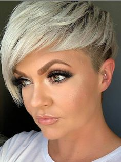 Girls with short hair are not only cute but also cool! - Latest Fashion Trends For Woman Short Messy Haircuts, Haircuts With Bangs, Cute Hairstyles For Short Hair, Latest Hairstyles, Hairstyles Haircuts, Choppy Haircuts, Dyed White Hair, Short White Hair, Girl Short Hair