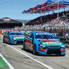 I would like to be a mechanic in the V8 Supercars.