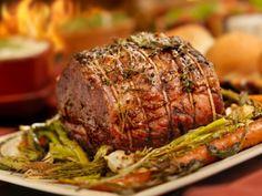 Scopriamo come si cucina un gustuso e succulento arrosto di bovino cotto semplicemente in padella.