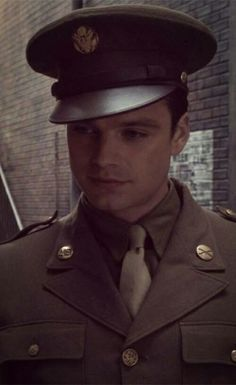 This man is so unfairly hot, it's legit upsetting And like. When Steve is being unfairly hot, I know he probably doesn't mean it, so I can't hold hold it against him. Bucky, though? Sebastian Stan, Marvel Actors, Marvel Avengers, Bucky Barnes Aesthetic, Marvel Background, James Barnes, Marvel Photo, Avengers Wallpaper, Man Thing Marvel