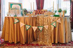 青とゴールドのテーブルデコレーション - Blue and gold decorations