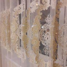 Красивая фоанцузская сетка с вышивкой и стразами. В наличии цена ... 83532389242 #салоншторбархат#тюльвналичии#тканивналичии#дизайнштороренбург