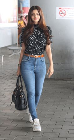 Actress Vedhika New Stills From Hyderabad Airport For Movie Shoot - Social News XYZ Actress Vedhika New Stills From Hyderabad Airport For Movie Shoot Beautiful Girl Indian, Most Beautiful Indian Actress, Beautiful Bollywood Actress, Beautiful Actresses, Beauty Full Girl, Beauty Women, Girl Outfits, Casual Outfits, Fashion Outfits