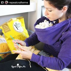 kerryleehaas This is brilliant!   #Repost @repeatcrafterme with @repostapp.  How to eat popcorn while crocheting! This brilliant idea courtesy of @chrisfabregas and @popgourmet ! #nohandsneeded #popcorncrochet #crochetersofinstagram #snacktime #crochettime