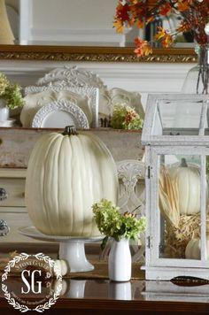 Fall-Dining Room-table-pumpkins-hydrangeas-stonegableblog.com
