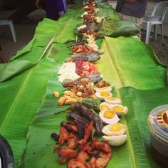 filipino foods in banana leaves