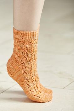 I'd love to see your progress/finished socks in the Coop Knits group.There is a lovely recipe for apricot cookies to go with this pattern here.Sizes: Small (Medium, Large) To fit foot circumference: 20.5 (23, 25.5) cm [8 (9, 10) in]This is a cuff down sock pattern which uses charts.This was the first pattern from the Great British Puddings Sock Club.The sock is photographed in The Knitting Goddess 4ply British wool and nylon sock yarn, see suggested yarn below for suitable alternative.