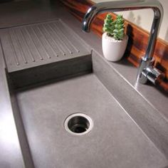 Concrete counter tops.  This is awesome. DIY doable, too! Next project maybe??