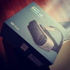 An awesome Virtual Reality pic! Arrivato  ... è veramente impressionante ciò che ci si può fare !!! L'oggetto più tecnologico che conoscevo adesso mi sembra preistorico !!! #gearvr #samsung #gearvrexperience #virtualreality #realtavirtuale #impressive #oculusrift #oculus by alessandro.ang check us out: http://bit.ly/1KyLetq