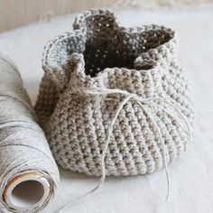 Valley Yarns 595 Crocheted Linen Basket
