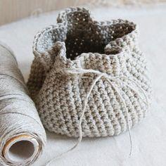 Valley Yarns 595 Crocheted Linen Basket