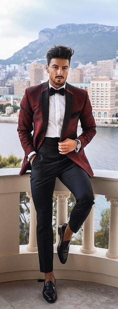 Outfit ideas men red tuxedo, maroon tuxedo, maroon suit, tuxedo for men, su Grad Suits, Graduation Suits, Prom Suits For Men, Suit For Men, Men Wedding Suits, Black Suit Men, Black Tux, Men's Suits, Outfit Hombre Formal