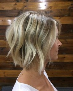 """"""" the best. A short texted bob with the perfect blonde and shadowed root. I…"""