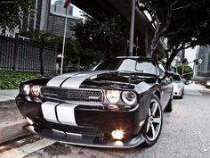 Каталог › 2012 Dodge Challenger SRT8 392