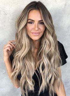 This beige bronde look is pure summer hair goals! This beige bronde look is pure summer hair goals! This beige bronde look is pure summer hair goals! Grey Balayage, Blonde Balayage Highlights, Hair Color Balayage, Bronde Balayage, Blonde Balayage Long Hair, Blonde Hair For Brunettes, Full Balayage, Blonde Hair Extensions, Full Highlights