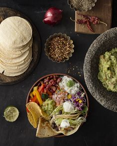 Mexican food at its best - Buddha bowl rezepte Real Mexican Food, Mexican Cooking, Mexican Buffet, Middle East Food, Traditional Mexican Food, Best Mexican Recipes, Cooking Photography, Food Branding, Food Backgrounds