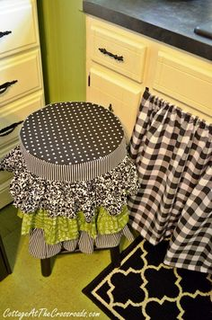 A new ruffled stool cover, a sink skirt, and a new faucet are all part of a few kitchen updates Ugly Kitchen, Kitchen Stools, Kitchen Sink, Funky Furniture, Furniture Covers, Furniture Making, Kitchen Updates, Updated Kitchen, Country Decor