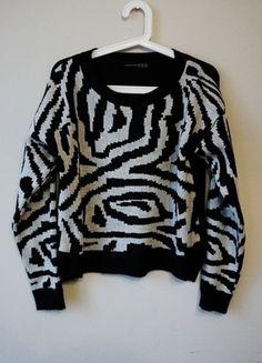 Sweterek w zeberkę