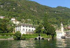 Villa Oleandra is located in Laglio, a hamlet of 930 inhabitants in the Province of Como in Lombardy. It is situated on the western shore of the south-western branch of Lake Como, 9 miles from the town of Como. (Villa is home of George Clooney) George Clooney House, Lake Como Villas, Comer See, Lake George Village, Lake Como Italy, Summer Vacation Spots, Fun Winter Activities, Italian Villa, Expensive Houses