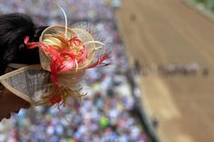 2014 Kentucky Derby Hats | Kentucky Derby 2014 Highlights Horses and Huge Hats