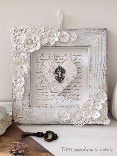 Αξιοποιήστε τα παλιά σεμεδάκια της γιαγιάς σας ή τα πλεκτά μοτίβα που δεν χρειάζεστε και παντρέψτε το παραδοσιακό με το μοντέρνο σε ένα υπέ...
