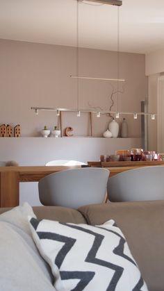 Wie unschwer zu erkennen, ist meine liebste Farbkombination zur Zeit eher etwas farblos ;o)). Grau, weiß, beige, ein Hauch rosa, gepaart mit Holz machen mich gerade optisch wirklich glücklich...