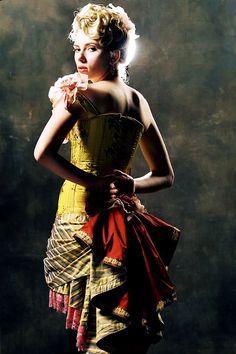 Scarlett Johansson in The Prestige (Christopher Nolan, Ghost World, Christopher Nolan, Period Costumes, Movie Costumes, Natasha Romanoff, Scarlett Johansson, Le Prestige, Black Widow Scarlett, Best Actress
