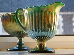 Antigo E Raro Conjunto Cremeira E Compoteira Em Carnival Glass Verde (VENDIDO)