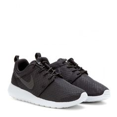 Nike Nike Roshe One Sneakers (1,670 MXN) ❤ liked on Polyvore featuring shoes, sneakers, nike, trainers, black, kohl shoes, black shoes, nike trainers, nike shoes and nike footwear