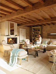 Captivating rustic home in the Spanish countryside with modern charm French Country Wall Decor, French Country Colors, French Country Interiors, Modern French Country, French Country Living Room, French Country Cottage, French Farmhouse, French Decor, French Country Decorating