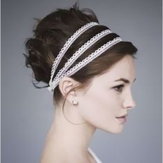 Greek women are known for their toga dress, flowing gowns, pastel shades, flawless skin and beautiful hairdos.