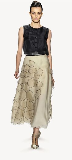 This skirt is so beautiful Collection Spring 2014 Carolina Herrera