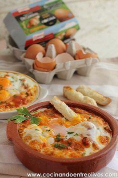 Huevos a la flamenca. Receta paso a paso para celebrar el Día del huevo Tapas Recipes, Egg Recipes, Brunch Recipes, Healthy Recipes, Spanish Recipes, Recipies, Good Food, Yummy Food, Tasty