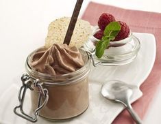 Chocolate Mousse Recipe for an iSi Cream Whipper Whipped Cream Dispenser Recipe, Whipped Cream Canister, Whipped Cream Maker, Chocolate Whipped Cream, Chocolate Mousse Recipe, Nutella Mousse, Recipes With Whipping Cream, Cream Recipes, Isi Whipper Recipes