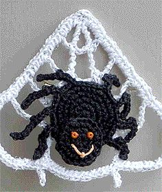 Crochet a spooky spider sitting on a web for the perfect Halloween pin. This Halloween crochet spider even has a smiling face made with orange beads. Chat Crochet, Crochet Fall, Holiday Crochet, Crochet Motif, Crochet Flowers, Free Crochet, Halloween Crochet Patterns, Crochet Toys Patterns, Crochet Crafts