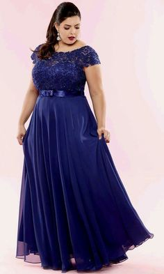 Dark blue elegant long dress for plus size lady Curvy Girl Fashion, Plus Size Fashion, Godmother Dress, Plus Size Inspiration, Plus Size Prom Dresses, Plus Size Gowns, Groom Dress, African Dress, Beautiful Dresses