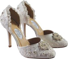 Vintage Lace Wedding Shoes  - Choosing the Best Vintage Wedding Shoes that Look Great with ...