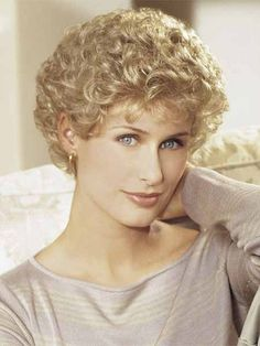 - Bobloverperm - Very Cute! Classic Hairstyles, Hairstyles Over 50, Permed Hairstyles, Modern Hairstyles, Short Hairstyles For Women, Pretty Hairstyles, Short Permed Hair, Very Short Hair, Curly Hair Cuts