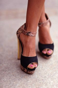 and somehow that snake skin looks classy and sophisticated on these shoes.