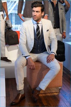 498bdc2233b Suitsupply Brings Its Tailored Gent to New York Fashion Week