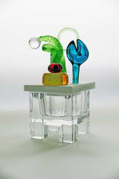 Markku Salo - Myyntikokoelmat: uniikki ja taide Glass Design, Design Art, Glass Molds, Museum Collection, Carnival Glass, Scandinavian Design, Finland, Carpets, Wind Chimes