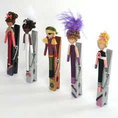 Angela Michelle Dolls: Clip a DollAnd attached to a clothespin (with a magnet on the back). Clip Dolls, Art Dolls, Craft Stick Crafts, Fun Crafts, Toothpick Crafts, Clothespin Art, Worry Dolls, Clothes Pegs, Tiny Dolls