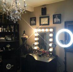 Chandelier + Diva Light + Vanity Girl Hollywood Room Credit @rina_rosebud