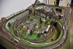 N Scale Train Layout, Ho Train Layouts, N Scale Trains, Lego Trains, Train Ho, Train Miniature, Model Railway Track Plans, Ho Model Trains, Lima