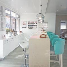 Nail Salon Design, Nail Salon Decor, Beauty Salon Decor, Beauty Salon Design, Beauty Salons, Beauty Salon Interior, Salon Interior Design, Nails Factory, Schönheitssalon Design