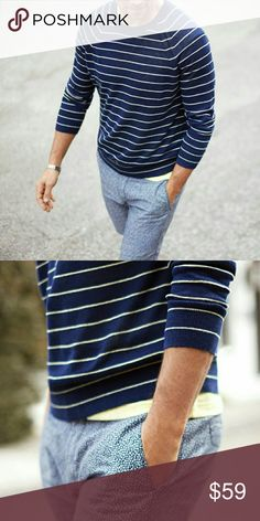 Banana Republic Italian linen men's sweater Deep Navy blue with calm lime green stripes.  Casual, cool, professional.  Italian linen material, soft all the way! Banana Republic Sweaters Crewneck