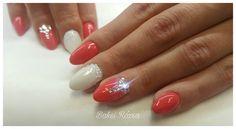 Sparkling nail