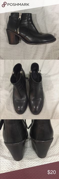 Black leather booties size 40 Lovingly worn black leather boots. Still a lot of good wear left in them. They are a half size too small for me. I wear a 10 and these fit like a 9.5. 100% all leather upper and soles. Double zippers. Made in Italy. emare Shoes Ankle Boots & Booties